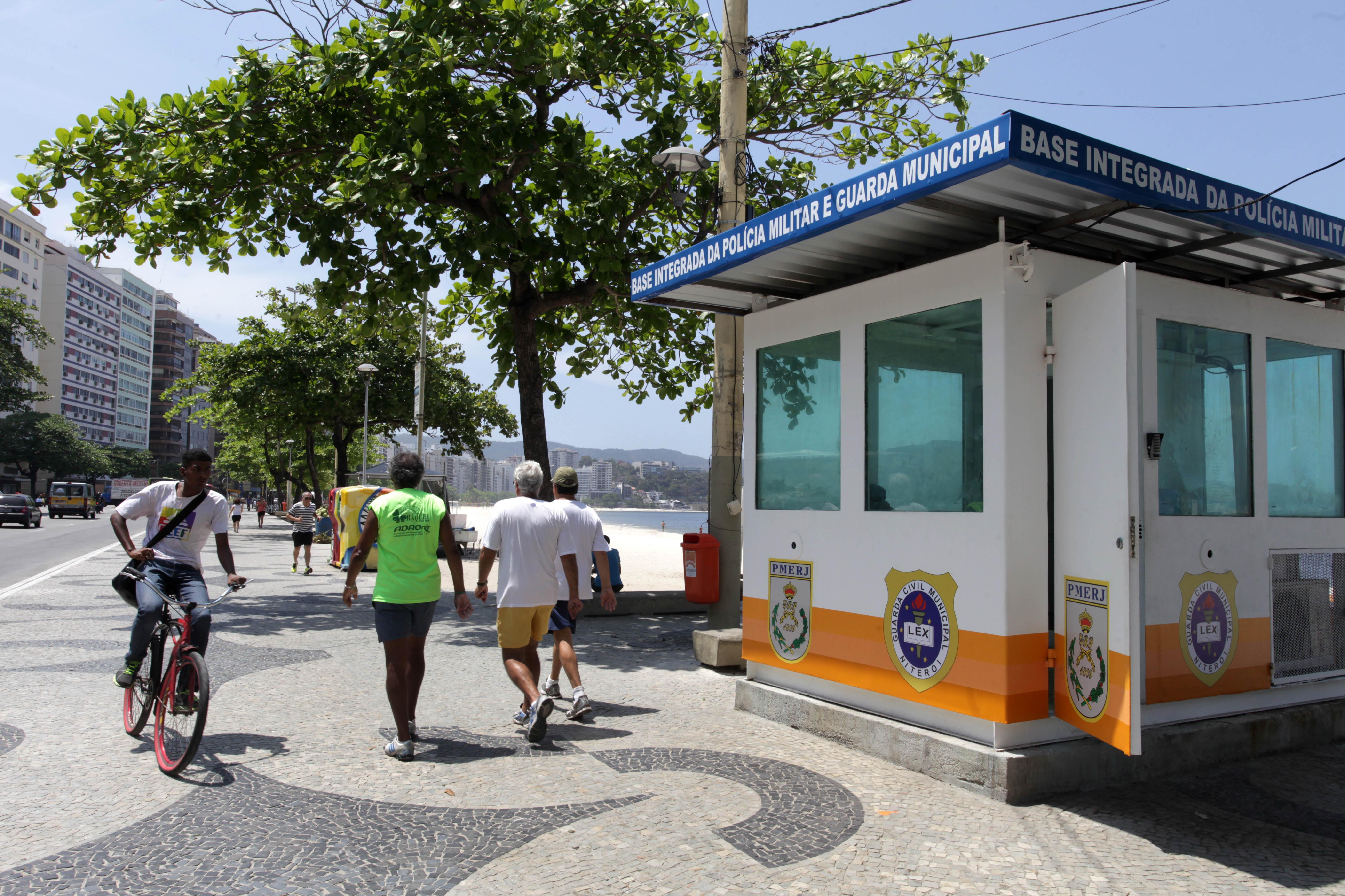 Cabine de Base iIntegrada da Guarda Municipal e PM em Icaraí, Niterói.